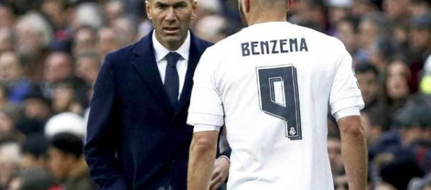 Benzema saldrá del club merengue este verano