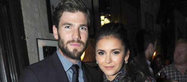 Según los últimos informes, la sonada pareja Nina y Glenn están andando. ¿Cómo conoció Nina Dobrev a Glen Powell