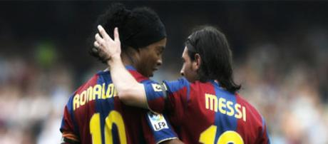 Ronaldinho e Messi jogaram juntos no Barcelona