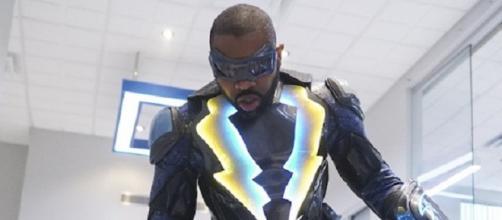 Black Lightning se transmite los martes por la noche en The CW