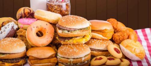 El consumo de comida ultraprocesada puede aumentar el riesgo de cáncer