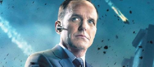 ¡Él está de vuelta! Bueno, ha regresado durante cinco años, pero ahora Coulson regresa a la gran pantalla.