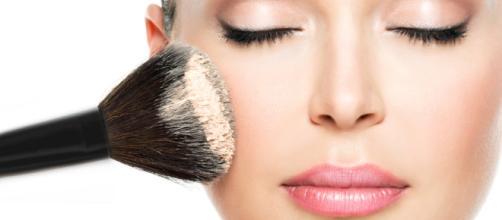 Maquillaje: ¿Cómo utilizar el corrector y el iluminador?