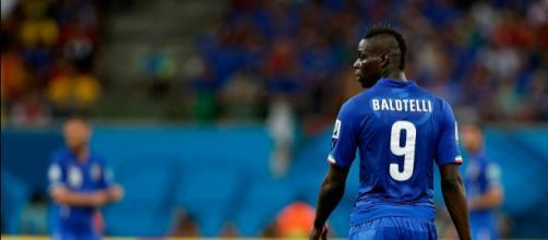 Mario Balotelli con la maglia azzurra
