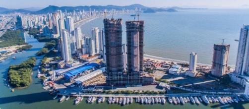 Prédio mais alto do Brasil anuncia salto coletivo de paraquedistas - com.br