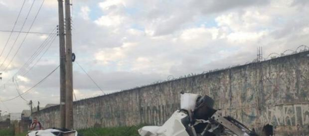 Carro de MC Brisola após o acidente