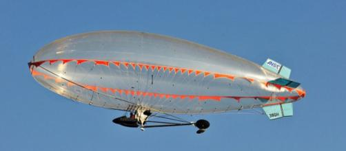 An airship during tests for the French Navy (Image credit – Hervemichel75, Wikimedia Commons)