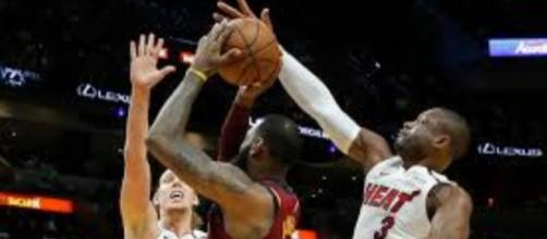 Dwyane Wade au contre sur Lebron James