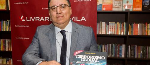 Eduardo Negrão es el autor del Terrorismo Global