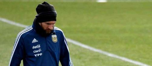 Leo Messi não jogou com a camisa da Argentina. (foto reprodução).