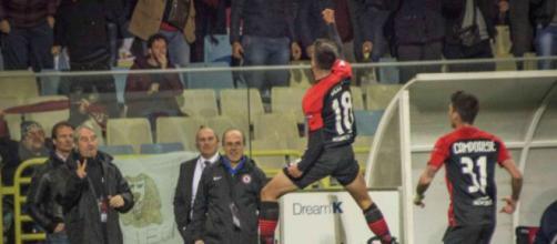 Nella foto della Lega B, Deli esulta dopo il gol dell'1-1