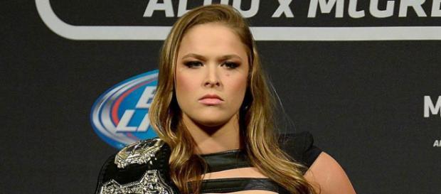 Ronda Rousey se irrita con el presentador de ESPN.