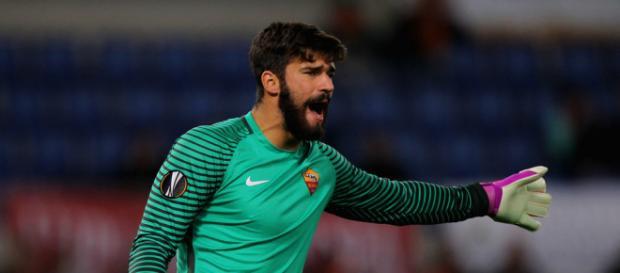 Tres grandes clubes europeos siguen a Alison del AS Roma