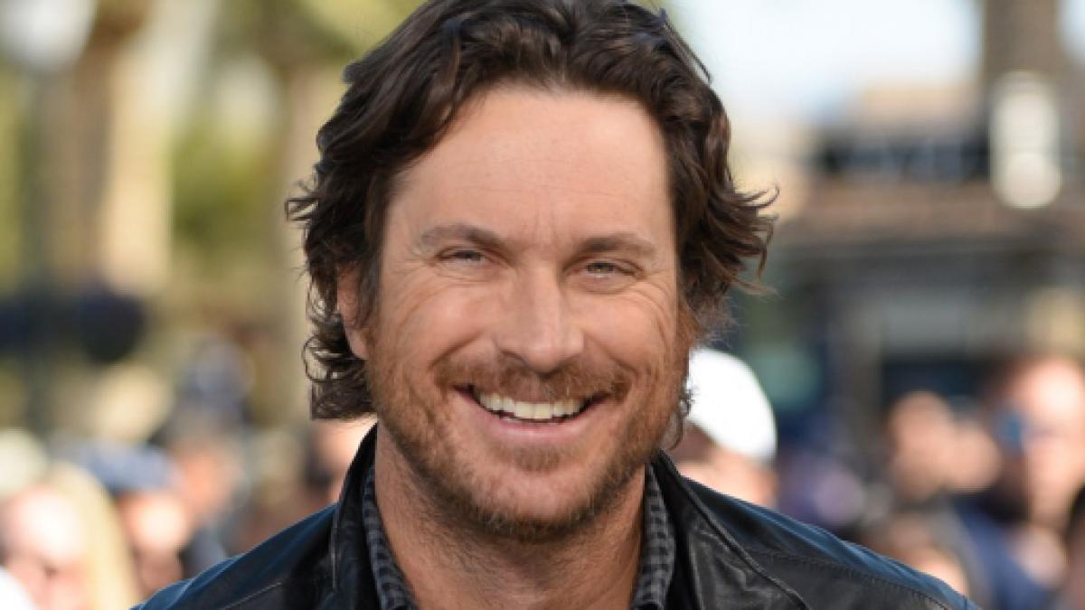 Oliver Hudson Is Friendly With Dad Bill Hudson After Years Of