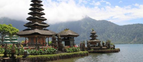Cheapest flight deals to Bali, Indonesia. Image by Pixabay.