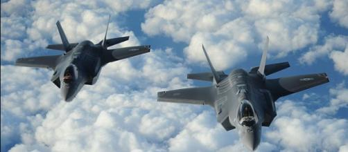 Israeli F-35s fly over Iranian airspace. [image source: USAF/Wikimedia Commons]
