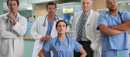 MASH, Dr. House, Scrubs, ER: i dottori più famosi della Tv uniti ... - blastingnews.com
