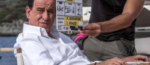 Servillo è Berlusconi, la prima foto dal set del film di Paolo ... - today.it