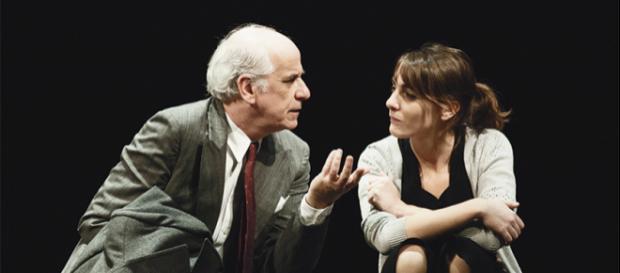 La dichiarazione d'amore di Toni Servillo al Teatro - Il Libraio - illibraio.it