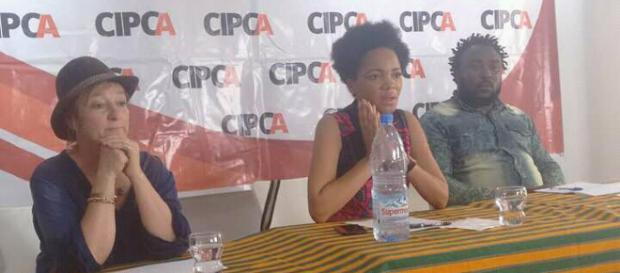 Panel avec la directrice madame Ecot Ayissi et les deux premiers exposants
