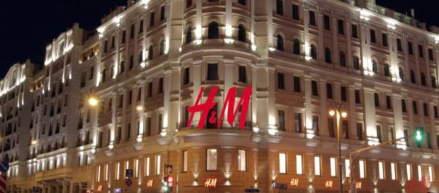 The new H&M flagship store in Moscow. - [img source: H&M / YouTube screencap]
