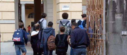 Alunni superano il limite consentito per le assenze, 78 genitori denunciati
