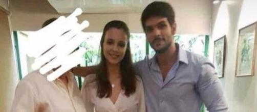Lucas e Ana Lúcia foram flagrados em um restaurante (SP). (Foto internet)