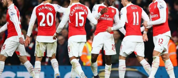 Arsenal renovará gran parte de su plantilla de jugadores – Diario ... - diarioroatan.com