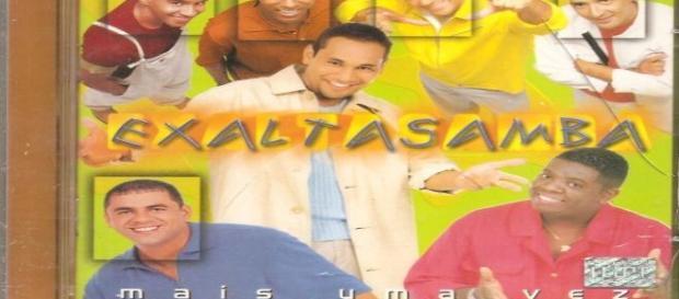 Ex-vocalista do 'Exaltasamba' é internado