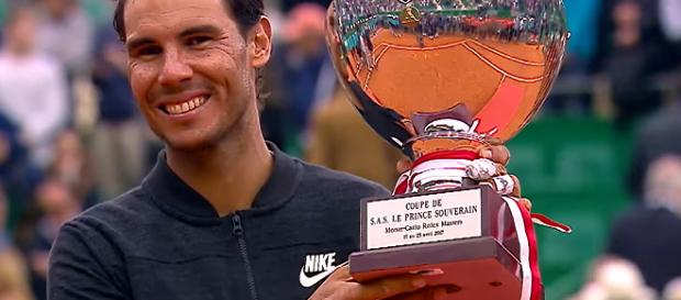 Rafael Nadal celebreting his triumph at Monte Carlo back in 2017/ Photo: screenshot via Tennis TV channel on YouTube