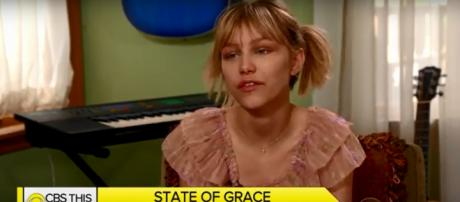 """Grace VanderWaal cautions that """"famous is a very weird word,"""" and sticks to being herself. [Screencap: CBS This Morning/YouTube]"""