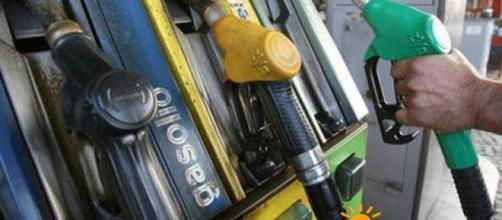 Benzina e diesel prezzi in aumento a Pasqua