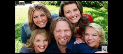 Kody Brown and his four wives. Meri Brown (top left) was catfished. (Image from Beautiful Life / YouTube.)