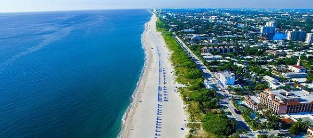 Delray beadh - image credit - By City of Delray Beach   Wikimedia Commons