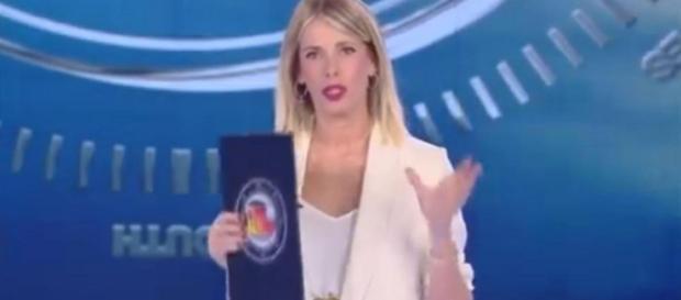 L'Isola dei famosi, Alessia Marcuzzi massacrata dagli ex ... - blastingnews.com