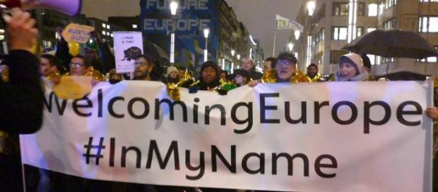 Manifestations d'activistes pour l'accueil des migrants en Europe