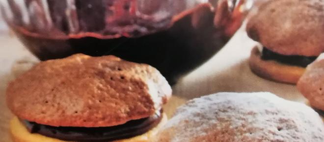 Amaretti moka: piccoli bocconcini dolci