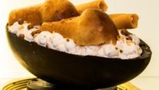 Sorpresa di Pasqua: arriva il N'Ovo, l'uovo napoletano con il cuore di babà