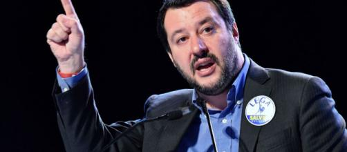 Bardonecchia: a Salvini non è piaciuta l'intromissione sul territorio italiano.