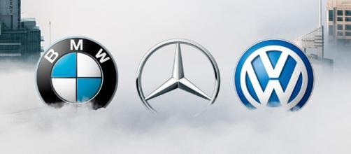 BMW y Daimler se fusionan para hacer frente a empresas tradicionales.