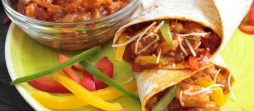 Descubre cómo preparar Burritos Mexicanos de Pollo y Queso