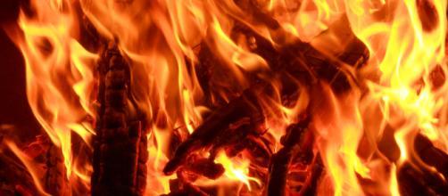barbecue flames [image courtesy emilydickinsonridesabmx flickr]