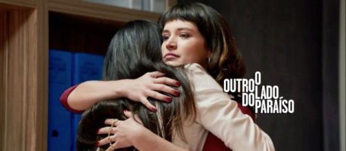 Clara descobre que a namorada de Gael está mentindo e prova em O Outro Lado do Paraíso. (Reprodução/TV Globo)