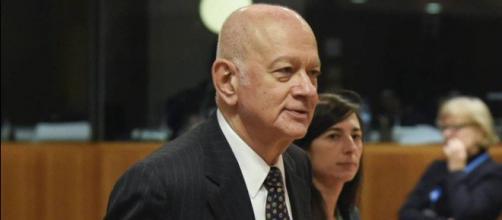 Ministro da Economia da Grécia pediu demissão após escândalo de auxílio-moradia