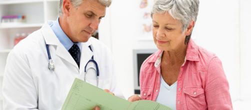 Osteoporosis y menopausia ¿llegan juntas?