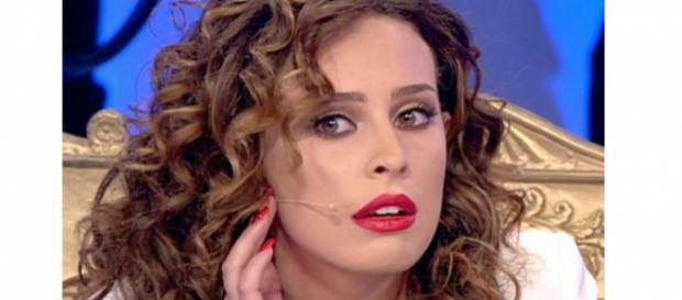 Anticipazioni Uomini e donne: Sara bacia Luigi, Nicolò e Lorenzo furiosi.