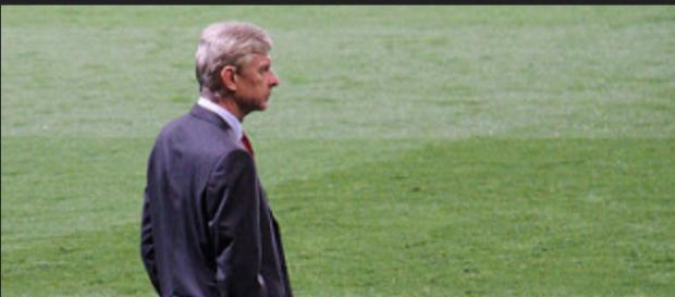 Arsene Wenger frustrated after another defeat (Credit:- Ronnie MacDonald/Flickr)