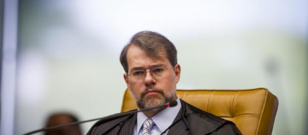 Dias Toffoli é pressionada a pagar dívida de gratidão