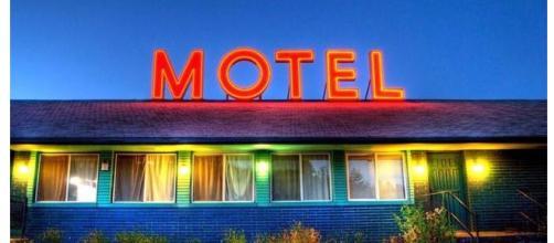 Casal vai a motel e marido abandona mulher com ''Ricardão''