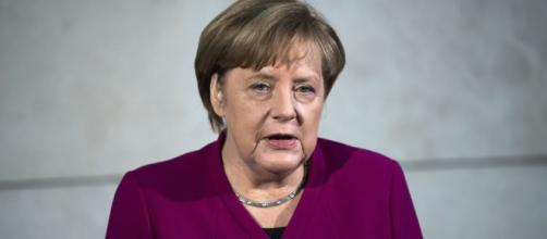 Germany's Merkel Embarks on New Talks to Form Government - voanews.com